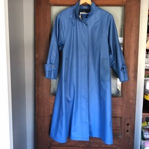 Excellent Condition Vintage London Fog by Wamsutta